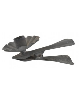 Ib Laursen metalen kandelaar knijper grijs