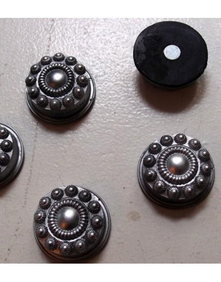 Zeeuwse knop magneet